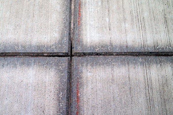 Control your concrete cracks