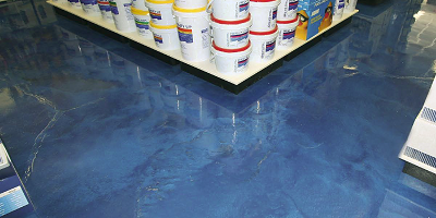 For years, the owners of Phoenix, Ariz.-based retail chain Leslie's Swimming Pool Supplies hired various contractors to work on their floors, hoping to see blue water-like effects beneath their customers' feet.