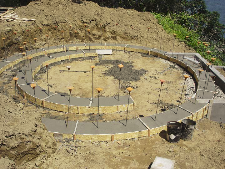 A Formed Concrete Circle Made for Wedding Ceremonies | Concrete Decor