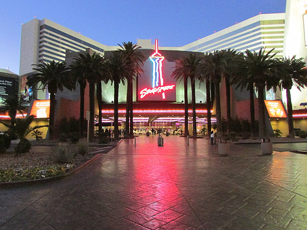 Decorative concrete walkway in Las Vegas