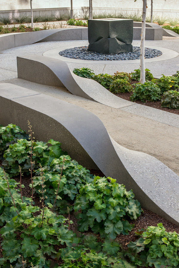 Concrete Ribbons Beautify Courtyard In San Francisco