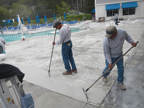 cleaning the pool deck area