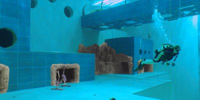 scuba diver in worlds deepest pool