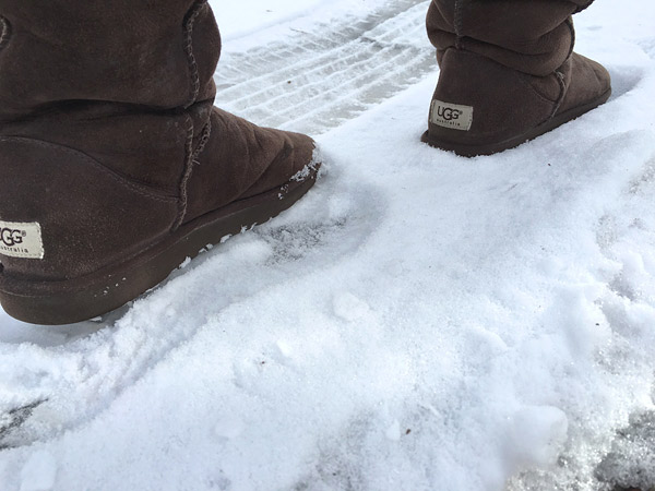 ugg boots on snow to avoid friction