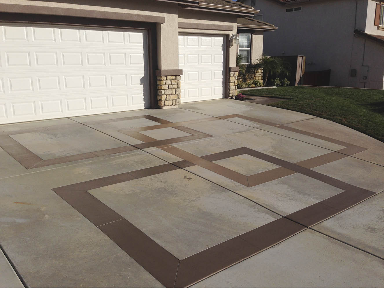 Geometric designs show off this driveway.