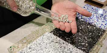 Glass aggregates vary in size from 00 (double zero), which measure 1/32 inch to 1/16 inch and smaller, and increase in small increments around 1/8 inch give or take (0, 1, 2 and 3) until the size reaches 1/2 inch to 3/4 inch (4-7).