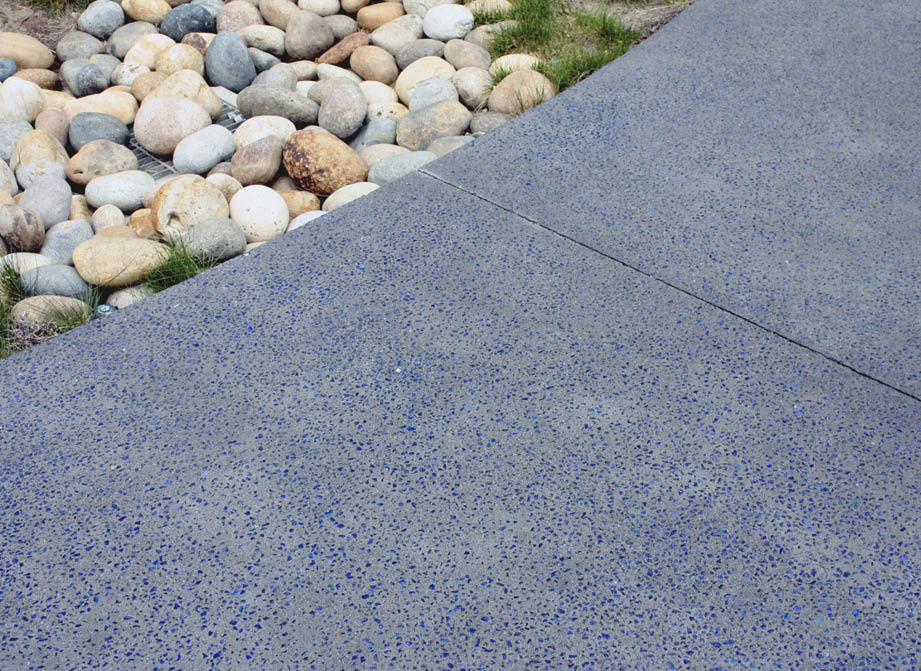 Aggretex System's Rocked product combines its Smashed finish with glass aggregate from Heritage Glass that is blended in on-site. Photo courtesy of Aggretex
