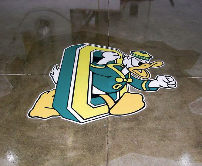 Stencil on concrete Oregon Duck logo