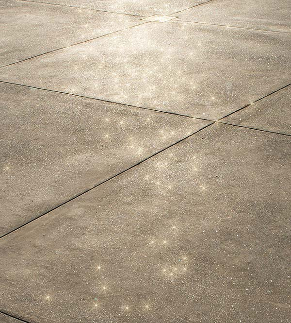 patio with sparkle grain concrete product