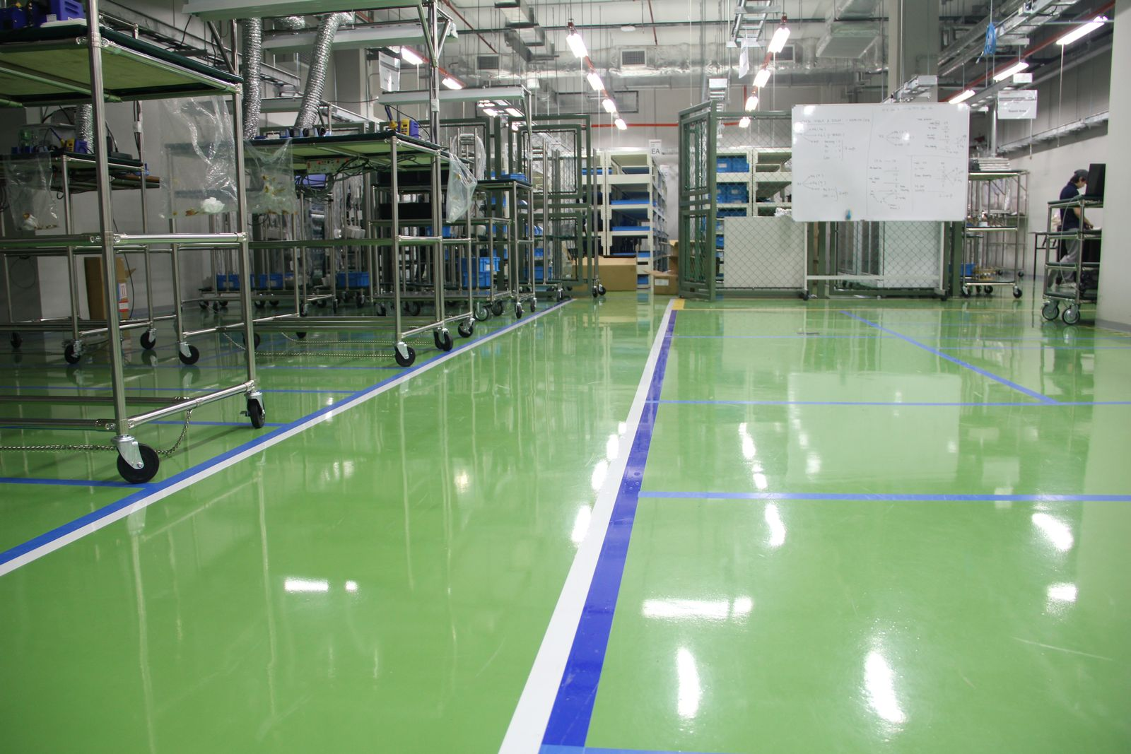 Flowcrete anti-static floor for Toshiba