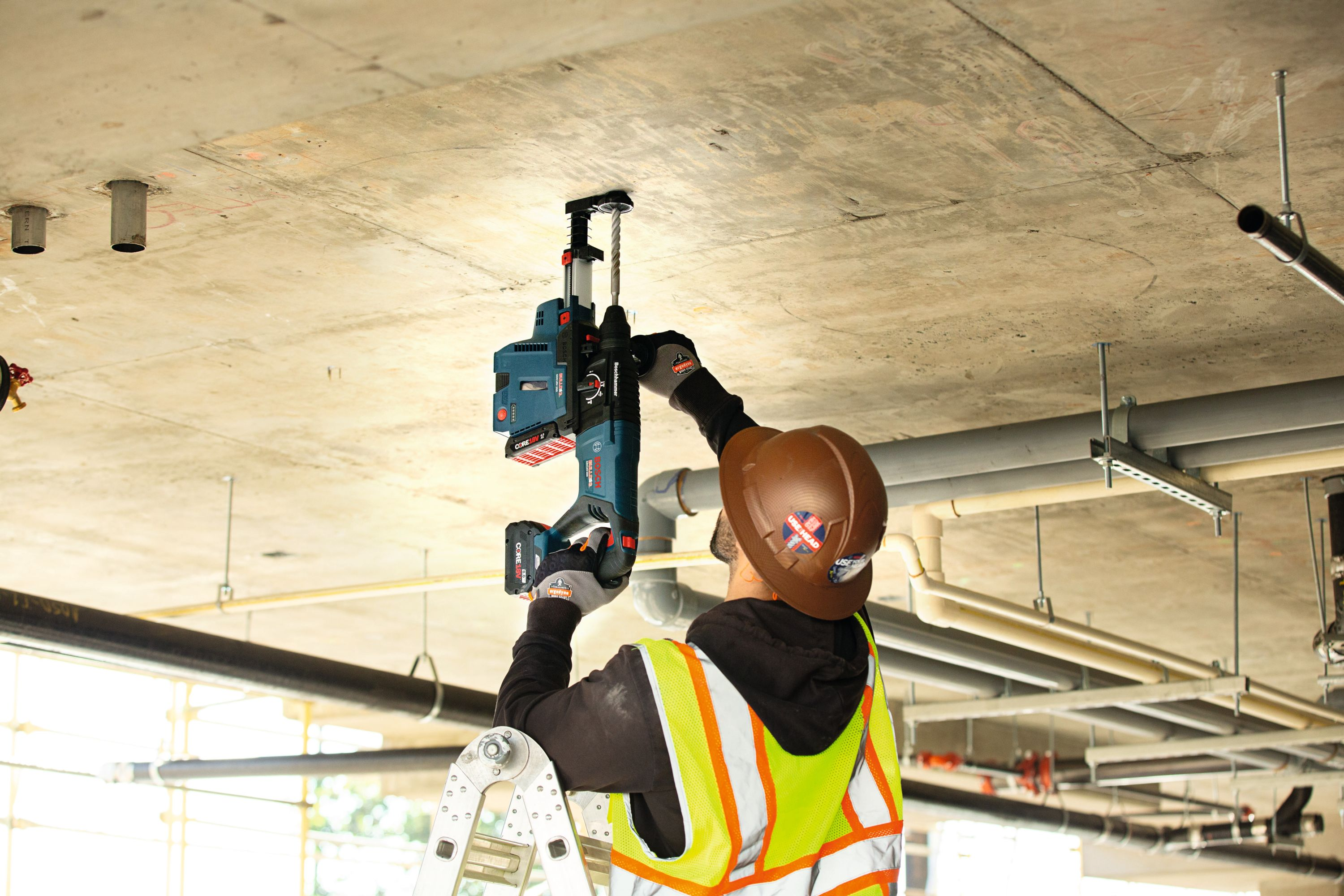 The GBH18V-26D cordless Bulldog is engineered with Bosch's KickBack Control technology, which reduces the risk of sudden tool reactions in bit bind-up situations.