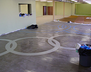 Rings connected design on a microtopping floor