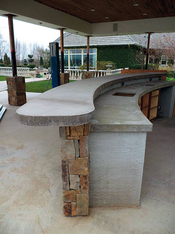 Cast in place concrete countertop for outdoor kitchen