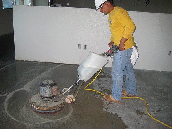 Polished concrete floor by Julio Hallack
