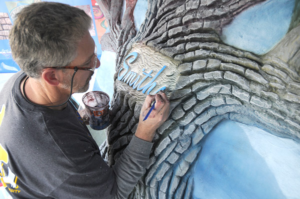 Steven Ochs Smith Paints concrete tree