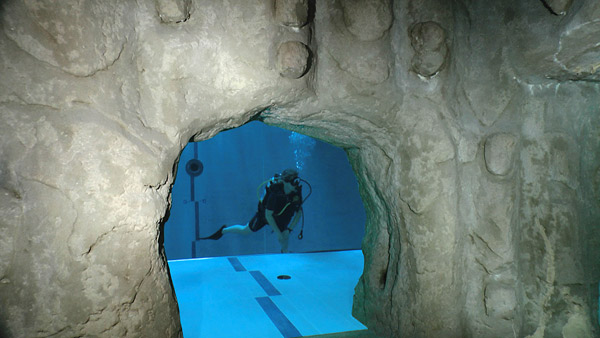 worlds deepest thermal swimming pool with realistic faux rocks