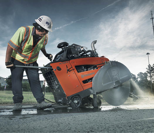 Making large, deep cuts for something such as highway expansion joints requires a blade that can cut many linear feet at high speed.