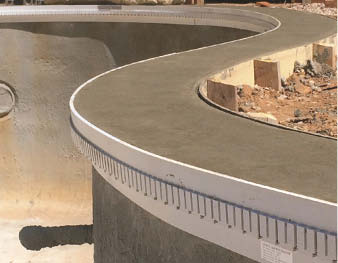 Bendable Z Poolform can be used to form curved pool copings for vinyl liner, fiberglass or concrete pools.