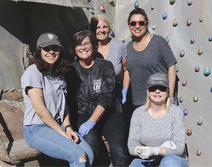 A group of artisans working at Decorative Concrete LIVE! with Cindee Lundin.