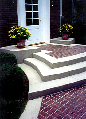 Using concrete stencils on these step gives the contrast of the white edge a very bold statement.