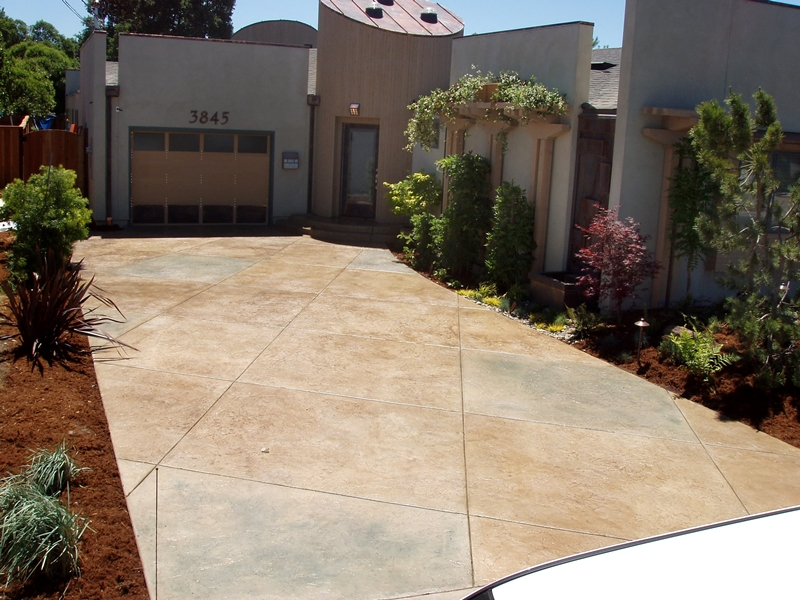 Extreme Makeover: Home Edition was graced with work by Carlton Concrete as the driveway was created with offset lines and colored concrete