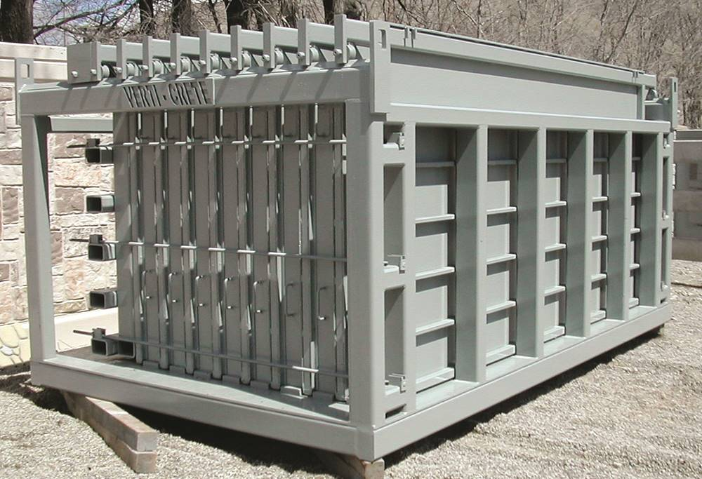 The Verti-Crete system is a steel-frame structure that holds a row of steel and polyurethane molding sheets.