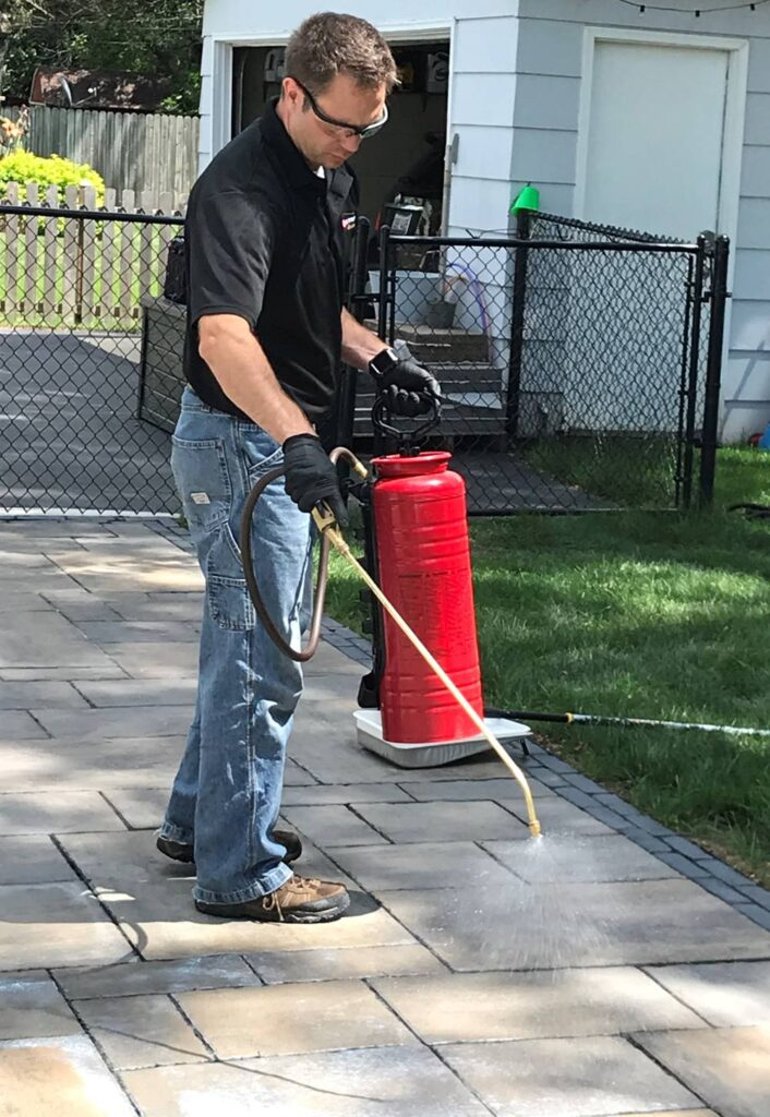Using a chapin sprayer to seal concrete with Decra-Seal