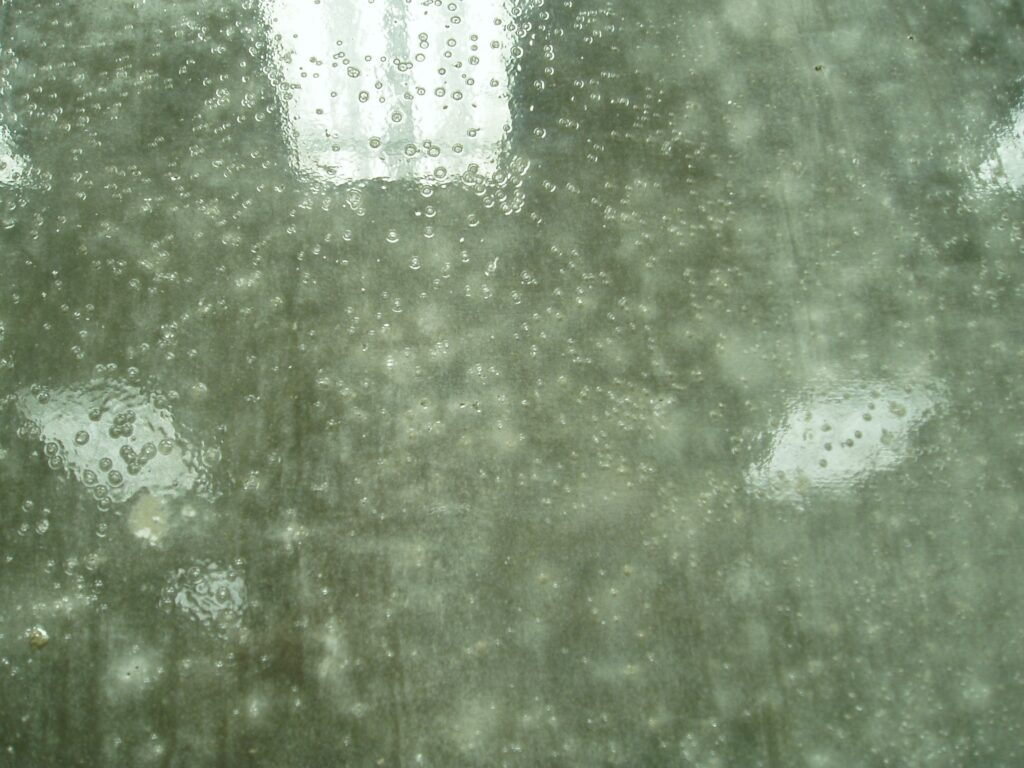 A picture of sealer bubbles.
