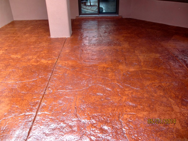After photo: the floor has a nice satin sheen.