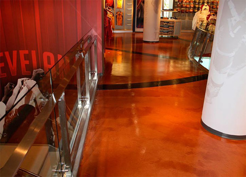 To create the orangesish leather color of a basketball in the Clevelend Cavaliers Team Shop, PDM Concrete LLC applied Düraamen's Lümiere in Copper and Bronze colors. The team was so happy with the outcome that PDM Concrete will redo the floors in the Cavaliers practice facility.