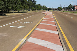 two tone stripes on a highway median in Mississippi