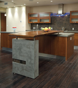 Kitchen countertop with a support made of concrete to give the kitchen a chic look.